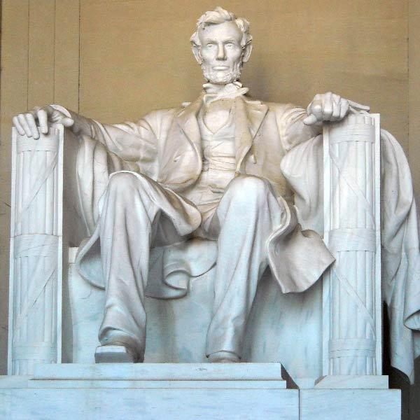 גן-האנדרטאות-פסל-אברהם-לינקולן
